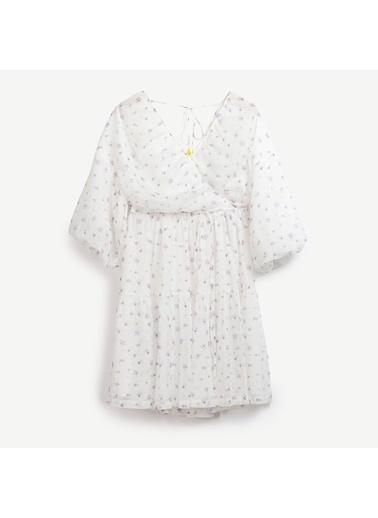 Yargıcı Büzgü Detaylı Elbise Beyaz